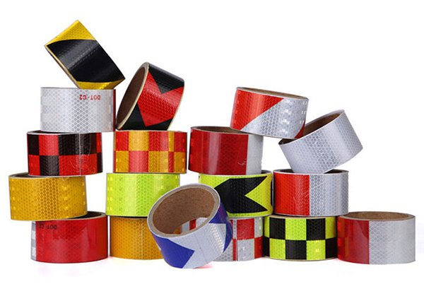 Which road traffic reflective tape can be used for 3 years