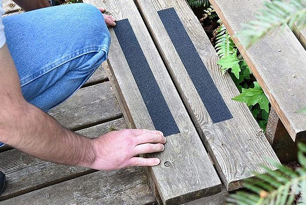 How to clean anti slip tape